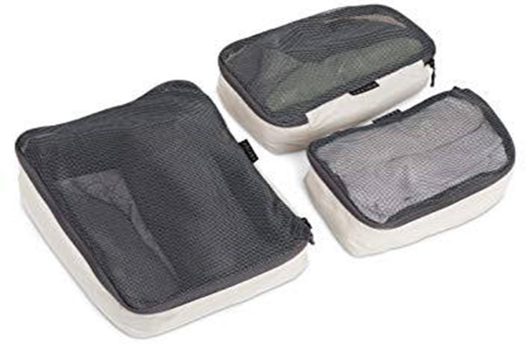 Space-Saving Packing Cubes With Shoe Bag