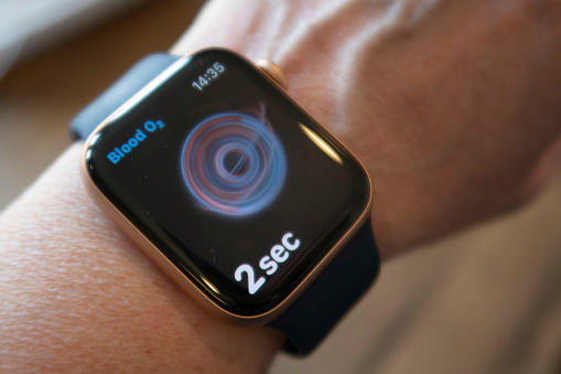 apple-watch-6-health-monitoring